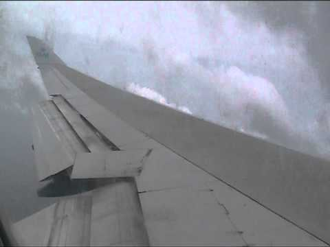 KLM Boeing 747 Landing in a tropical storm at Aruba