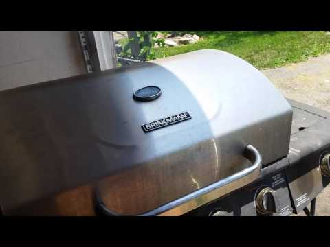 Smoking pulled pork with gas grill