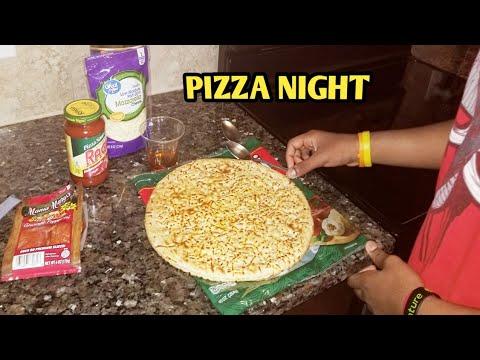 Making my favorite PEPPERONI PIZZA! 🍕😎