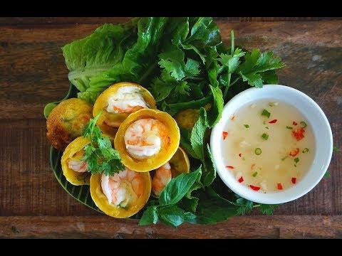 Banh Khot (Crispy & Savoury Mini Pancakes)