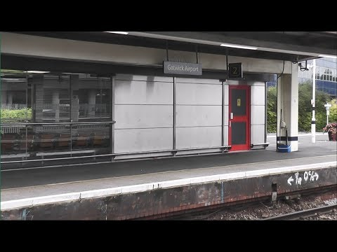 Cheapest Way to Gatwick Airport: Southern Trains from London Bridge (60fps)