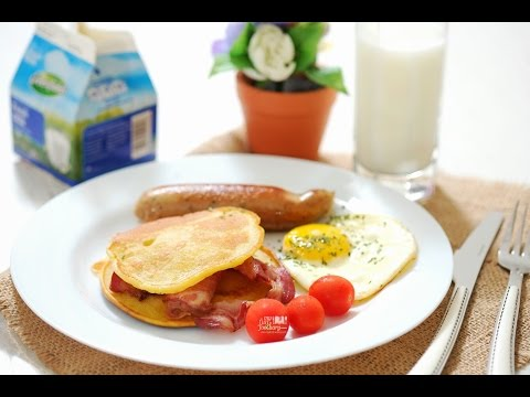 Quick & Easy Recipe: Savory Pancakes with Bacon & Egg