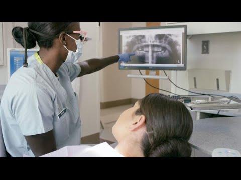 U.S. Air Force: Capt Alisha Simmons, Dentist