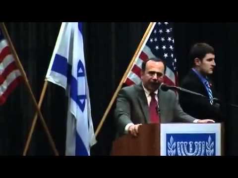 طلاب عرب يطردون سفير اسرائيل Arab Students Make israeli ambassador leave
