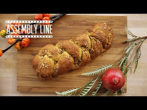 Pumpkin Spiced Challah with Challah Hub!  | Assembly Line