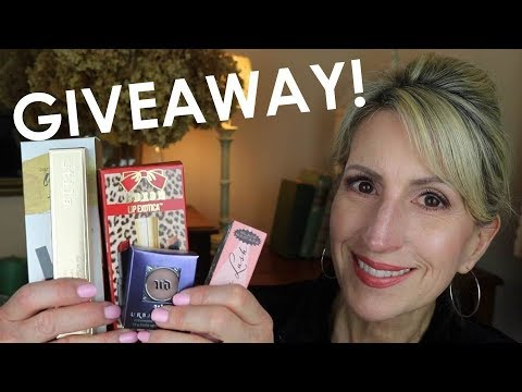 GIVEAWAY - STILA, URBAN DECAY, BENEFIT, BUXOM, & BARE MINERALS!