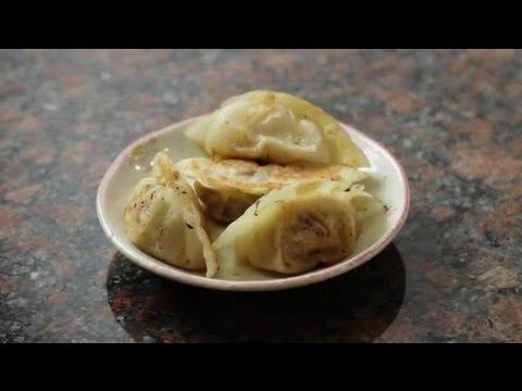 How to Make Japanese Chicken Dumplings : Asian Cuisine