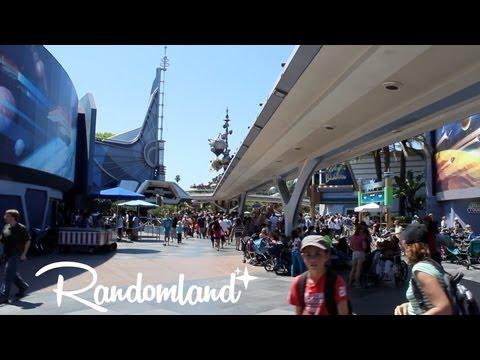 Wandering through Tomorrowland and a secret 'Echo' spot - Randomland at Disneyland!