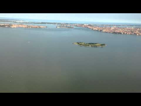 Landing @ Venice Marco Polo Airport onboard Turkish Airlines