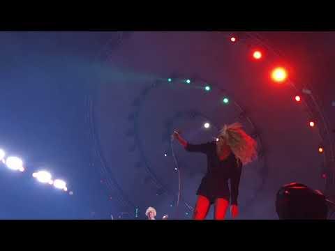 Paramore - Ain't It Fun - Live @ O2 Arena London 12/1/2018