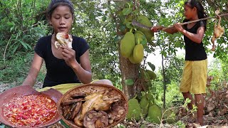 Yummy food: Grilled Chicken with Jackfruit for Lunch - Survival skills Anywhere Ep 105