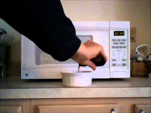 Easy Tip for Cleaning your Microwave