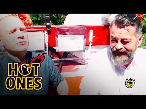Xxx Mp4 Chili Klaus And Sean Evans Eat The World 39 S Hottest Pepper On The Carriage Ride From Hell Hot Ones 3gp Sex