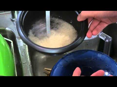 How to use a Rice Cooker - Cooking with Geoffmobile.com