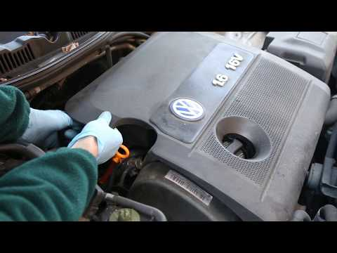 VW Golf Mk4/Bora/Beetle - How to Remove Engine cover on 1.6 16v car