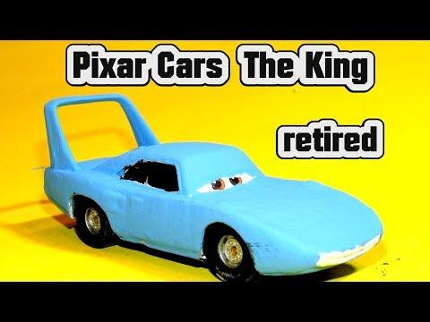 Pixar Cars The King Retired Custom Car with Lightning McQueen Chick Hicks and Jeff Gorvette