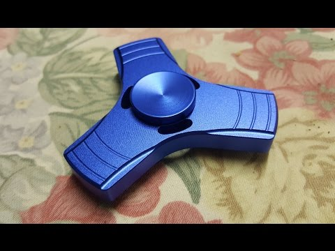 Dazzling Blue Aluminium Tri Fidget Spinner Unboxing and Review