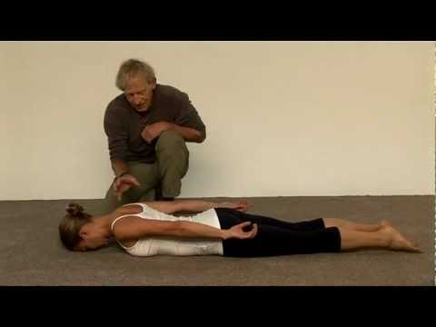 How to strengthen your middle back muscles at home