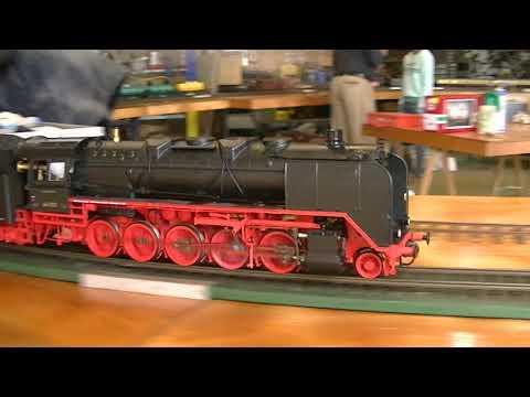 Live steam models in action at the Modelbouwdagen Stoommachine museum Medemblik