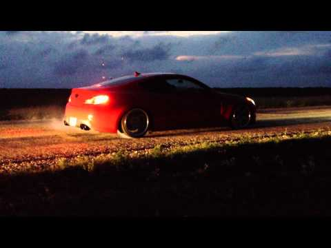 Modded Genesis Coupe 2.0T burn-out