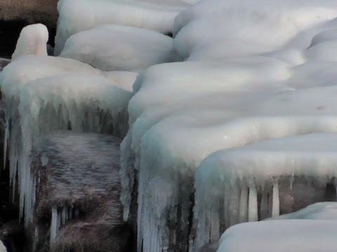 Raw: Arctic Air Brings Frigid Temps to Chicago