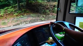 Aksi Menawan Supir Bus Pariwisata Dali Prima Membuat Penumpang Tercengang