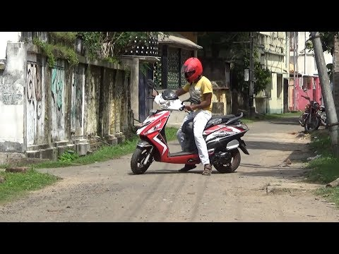EASY SCOOTER RIDING/HOW TO RIDE SCOOTER IN HINDI