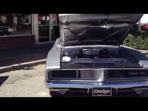 1969 Dodge Charger RT SE 4 speed hurst pistol grip