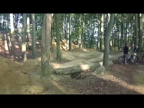 Commencal absolut jumps