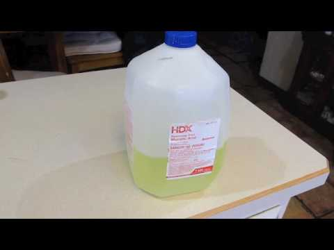 Toilet Cleaner remove calcium buildup