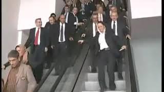 Ke Mal Kılıçdaroğlu Yürüyen Merdivene Ters Biniyor