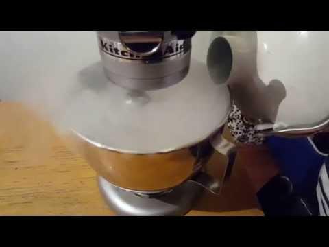 Making Ice Cream with Liquid Nitrogen