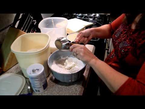 Auntie Em's Homemade Pie Crust (part 1 -- cutting in the shortening)
