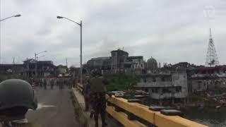 Marawi generals cross critical bridges in battle area