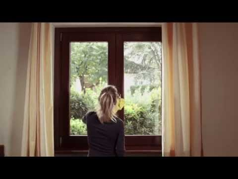 How to renovate wooden windows and doors and maintain them over time