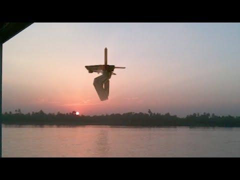 Huge UFO filmed in THAILAND over Mae Klong River !!! February 2018