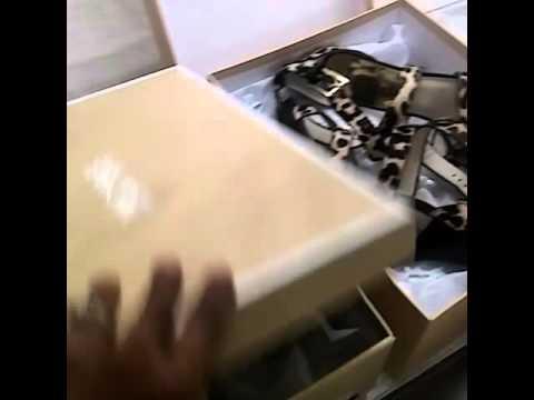 9187a450ee Unboxing Michael Kors Evie Sandals - Michael Kors Shoes White Sandals