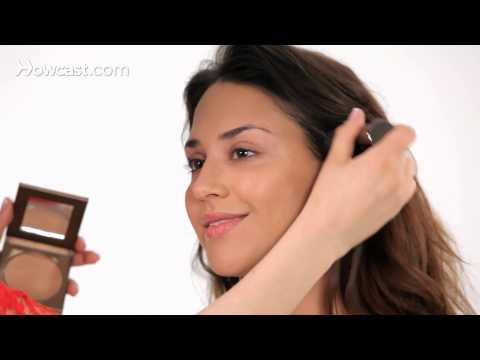 How to Look Tan with Makeup | Makeup Tricks