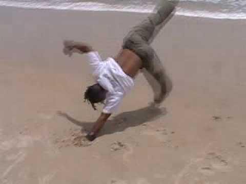 Miudinho Capoeira on the Beach