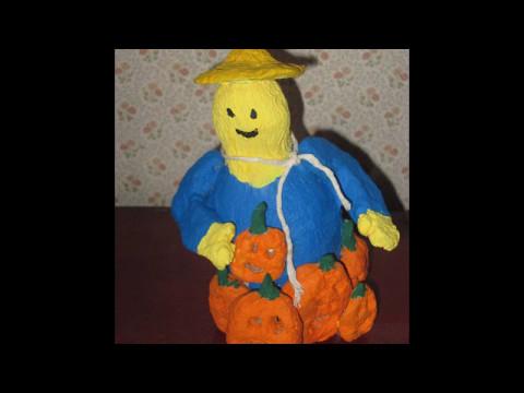how to make a fun scarecrow figurine