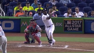Ozuna hits homer off the top of foul pole
