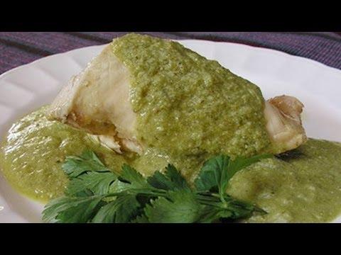 Receta para preparar filete de pescado en mole verde. Filete de pescado / Mole verde