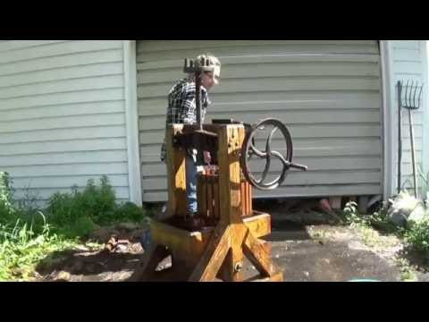 DIY APPLE CIDER- Cider Press