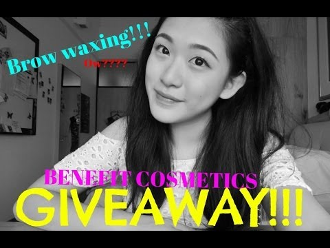 Brow Waxing at Benefit & a GIVEAWAY (CLOSED)!!