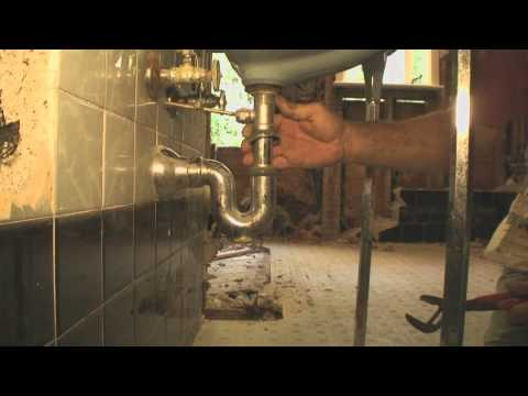 How to Remove an Old Bathroom Sink