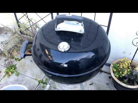 How to clean a Weber BBQ grill kettle grill clean out