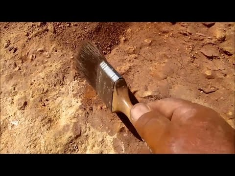 Alluvial Gold Prospecting - How to Get the Most Gold from a Dry Creek Bed.