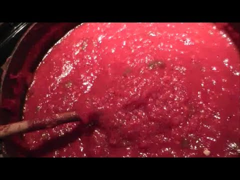 Making Spaghetti Sauce Using Fresh Tomatoes