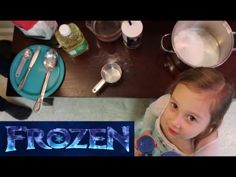 How To Make Sparkly Frozen Play-Dough