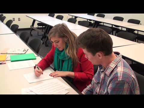 Michigan Works! Reviews Resumes for Manufacturing Technology Students